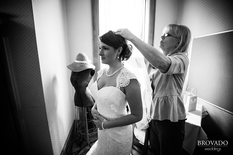 Kelly and Karl's Duluth Wedding Photography by Brovado Weddings
