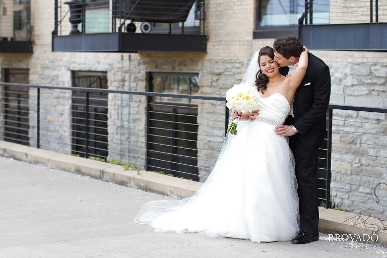 Jewish Wedding at the Minneapolis Depot at mill city ruins