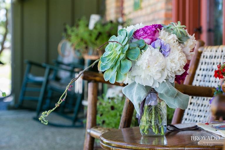 Pipestone MN Wedding Photography at Fountain Prairie Farm succulent bouquet