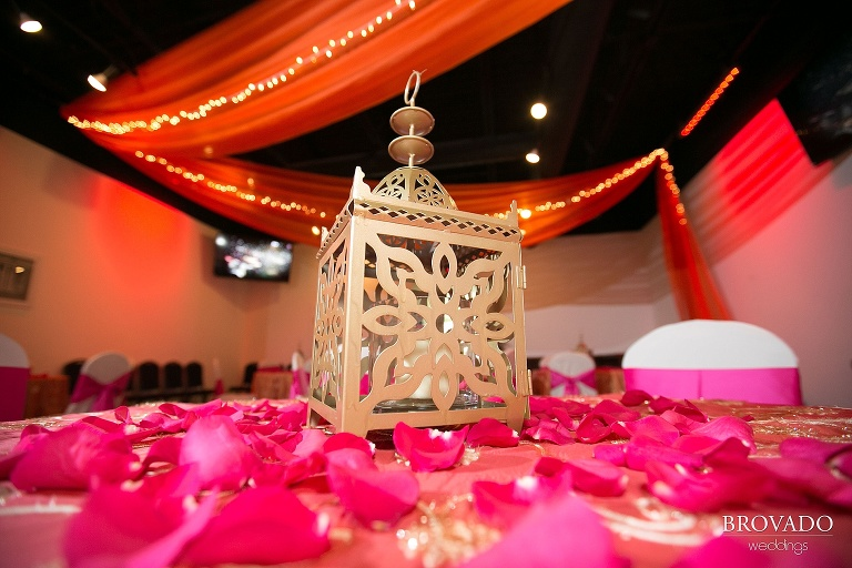 Traditonal and Brightly colored Indian wedding in Downtown Minneapolis, Minnesota - Chanika and Shatanu
