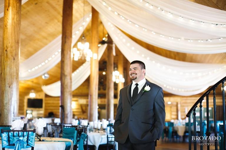 Bright summertime wedding photography in Farmington, Minnesota